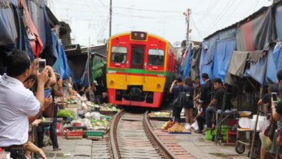 train, maeklong train market